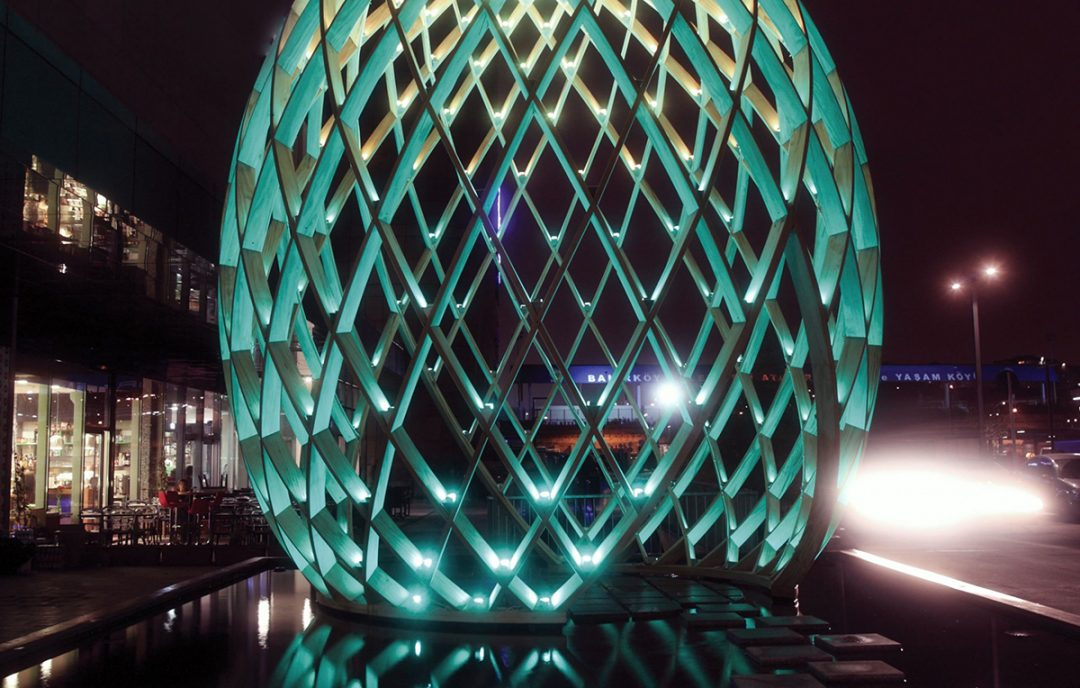 Accoya wood art structure inspires the people of Istanbul
